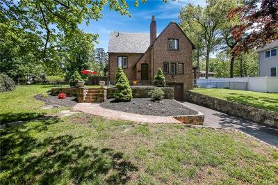 Rockland County Single Family Home For Sale: 15 Woodland Drive