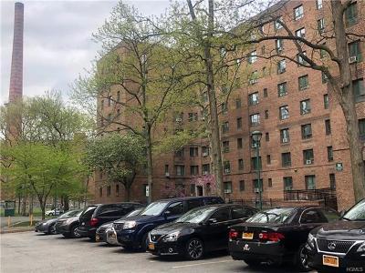 Bronx Condo/Townhouse For Sale: 1527 Metropolitan Avenue #8D