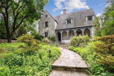 Hartsdale Single Family Home For Sale: 112 Mercer Avenue