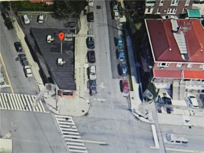 Bronx County Commercial For Sale: 2500 Williamsbridge Road