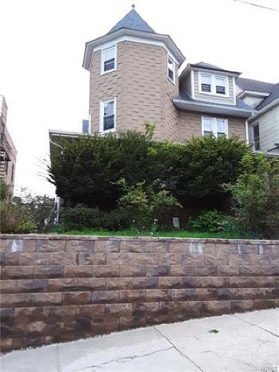 Mount Vernon Multi Family 2-4 For Sale: 136 Vista Place