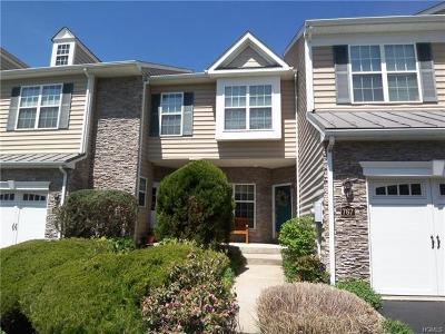 Fishkill Condo/Townhouse For Sale: 767 Huntington Drive