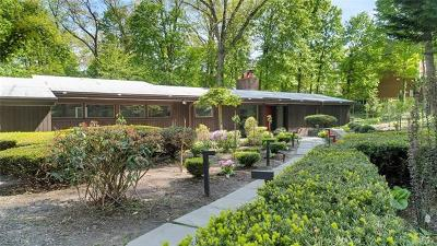 Scarsdale Single Family Home For Sale: 130 Old Army Road