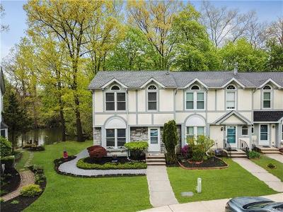 Beacon Single Family Home For Sale: 40 Angela Court