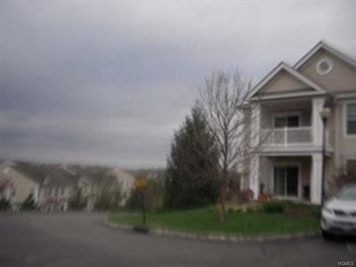Fishkill Condo/Townhouse For Sale: 915 Saratoga Lane