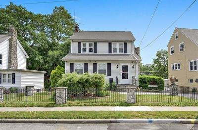New Rochelle Single Family Home For Sale: 123 Petersville Road