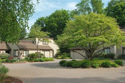 Somers Condo/Townhouse For Sale: 83 Heritage Hills #D