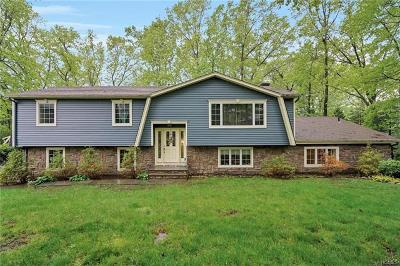 Rockland County Single Family Home For Sale: 7 Durham Lane