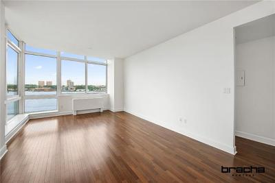 New York Condo/Townhouse For Sale: 120 Riverside Boulevard #15F