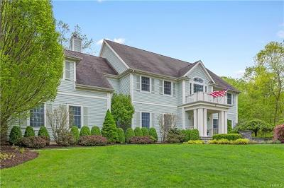 Chappaqua Single Family Home For Sale: 22 Pebblebrook Way