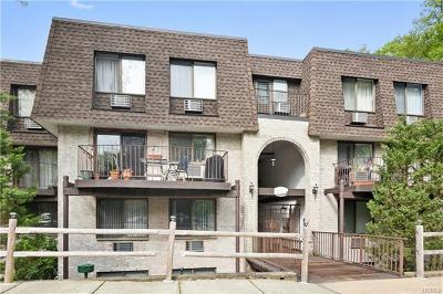 Briarcliff Manor Condo/Townhouse For Sale: 515 Kemeys Cove