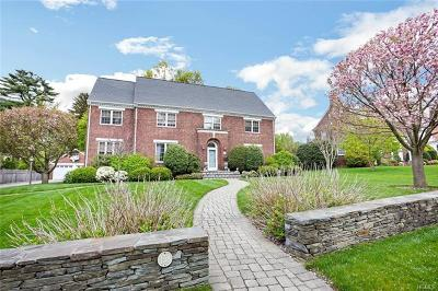 New Rochelle Single Family Home For Sale: 158 Forest Avenue