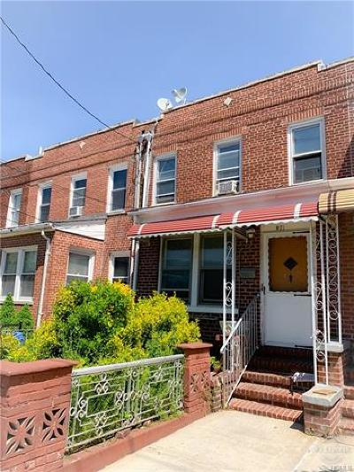 Bronx Single Family Home For Sale: 971 East 221st Street