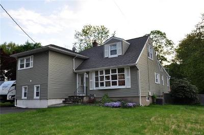 Valley Cottage Single Family Home For Sale: 136 Lake Road