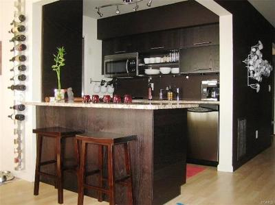 New Windsor Condo/Townhouse For Sale: 1190 Washington Green