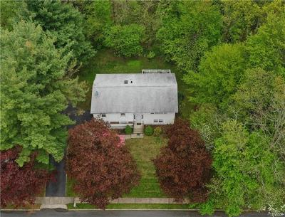 Single Family Home For Sale: 18 Headden Drive