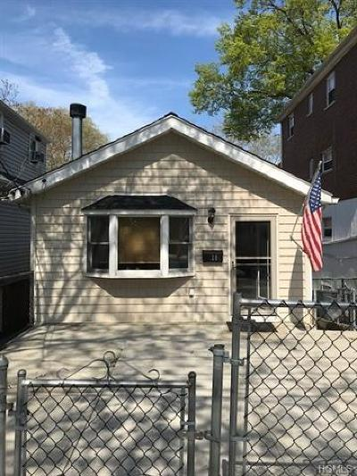 Bronx Single Family Home For Sale: 728 Throgs Neck Expressway