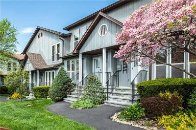 Peekskill Condo/Townhouse For Sale: 85 Hemlock Circle