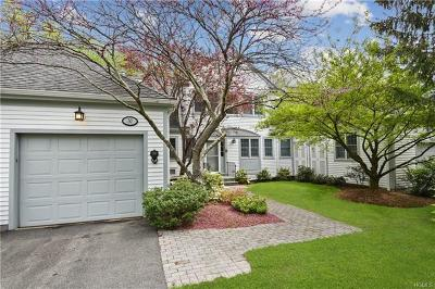 White Plains Condo/Townhouse For Sale: 30 Brook Hills Circle