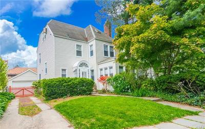 Yonkers Single Family Home For Sale: 30 Beechwood Terrace
