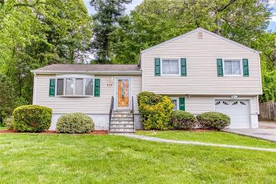Westchester County Single Family Home For Sale: 818 Terrace Place