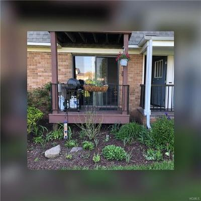 Middletown Condo/Townhouse For Sale: 2 Fortune Road West #A