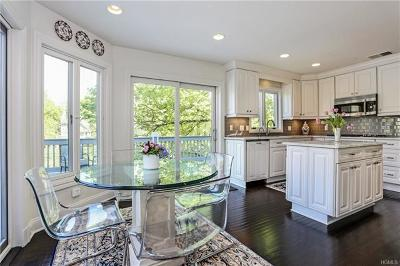 Rye Brook Single Family Home For Sale: 9 Hidden Pond Drive