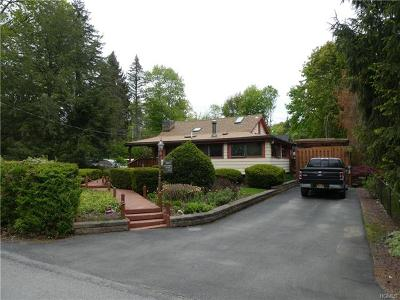 Greenwood Lake Single Family Home For Sale: 27 Pine Hill Drive