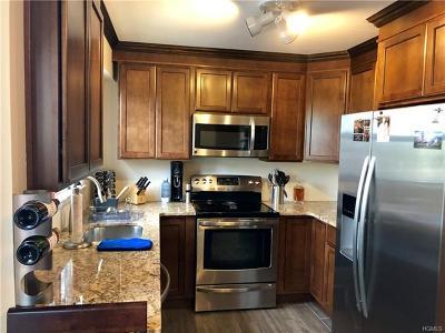 Valley Cottage Condo/Townhouse For Sale: 912 Sierra Vista Lane