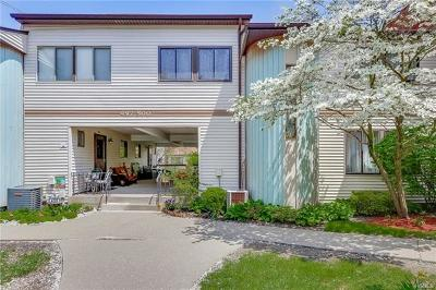 Rockland County Condo/Townhouse For Sale: 497 Country Club Lane