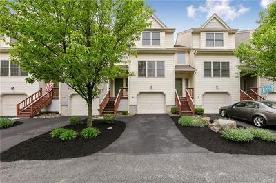 Highland Falls Condo/Townhouse For Sale: 22 Winhaven Court