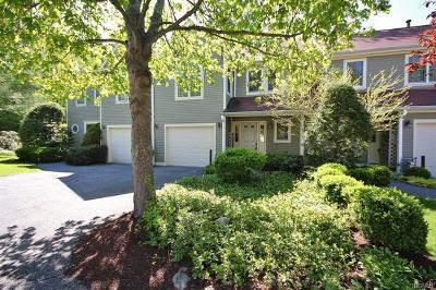 Mount Kisco Single Family Home For Sale: 102 Kensington Way