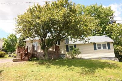 Middletown Single Family Home For Sale: 170 Brookline Avenue