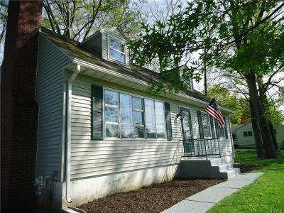Middletown Single Family Home For Sale: 155 Wawayanda Avenue