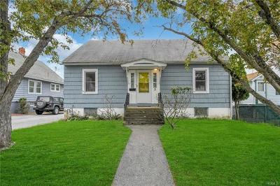 Middletown Single Family Home For Sale: 3 Brink Avenue