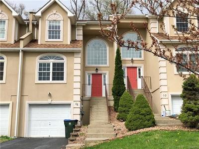 Middletown Single Family Home For Sale: 62 Oak Hill Road