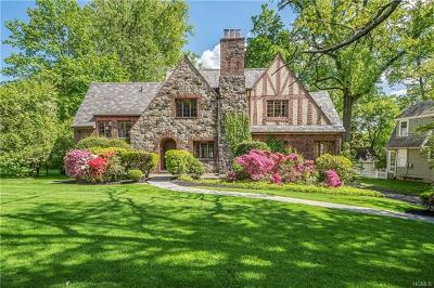 New Rochelle Single Family Home For Sale: 135 Beechmont Drive