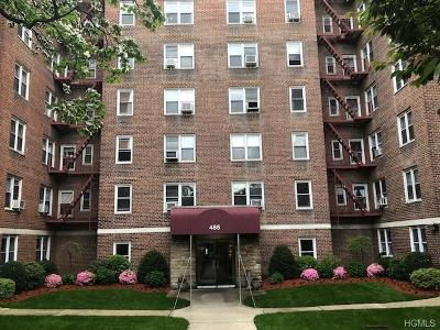 Yonkers Co-Operative For Sale: 485 Bronx River Road #B52