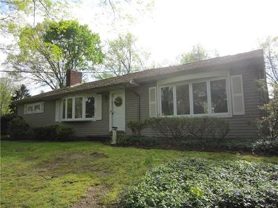 Newburgh Single Family Home For Sale: 125 Powelton Circle
