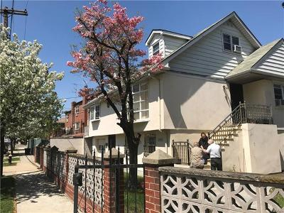 Bronx County Single Family Home For Sale: 2593 Flint Avenue