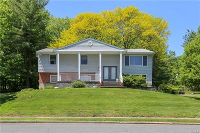 Rockland County Single Family Home For Sale: 21 Briarcliff Road