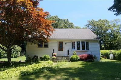 Mohegan Lake Single Family Home For Sale: 3728 Hudsonview Street