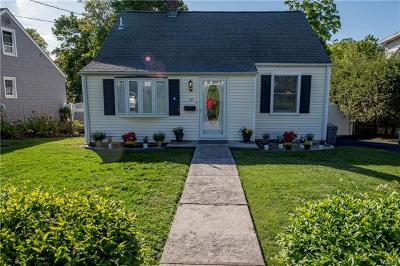 Croton-On-Hudson Single Family Home For Sale: 31 Wells Avenue