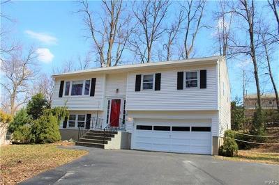 Warwick Single Family Home For Sale: 11 Robert Drive