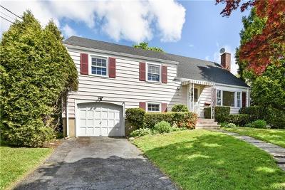 Port Chester Single Family Home For Sale: 24 Barrett Lane