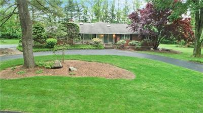Rockland County Single Family Home For Sale: 2 Briarwood Lane