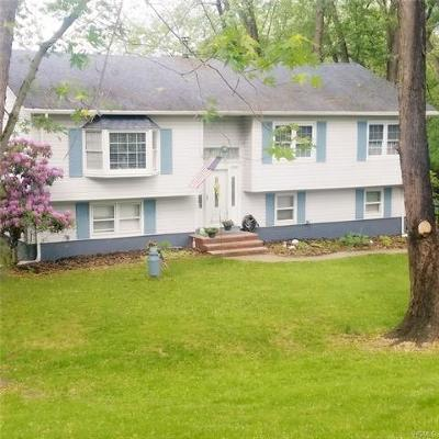 Warwick Single Family Home For Sale: 9 Overhill Lane