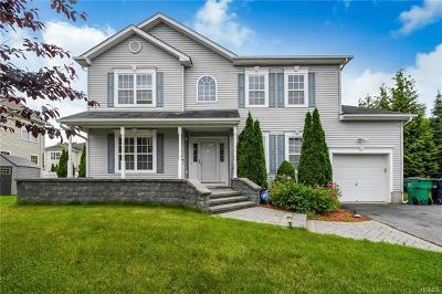 Newburgh Single Family Home For Sale: 118 West Meadow Wind Lane