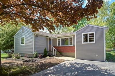 Yorktown Heights Single Family Home For Sale: 2801 Heathercrest Drive