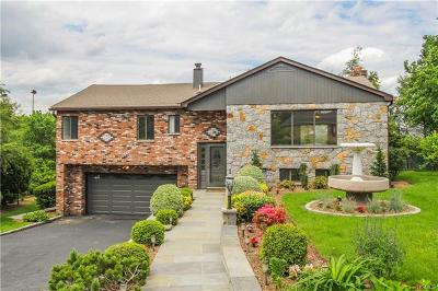 New Rochelle Single Family Home For Sale: 29 Coventry Lane